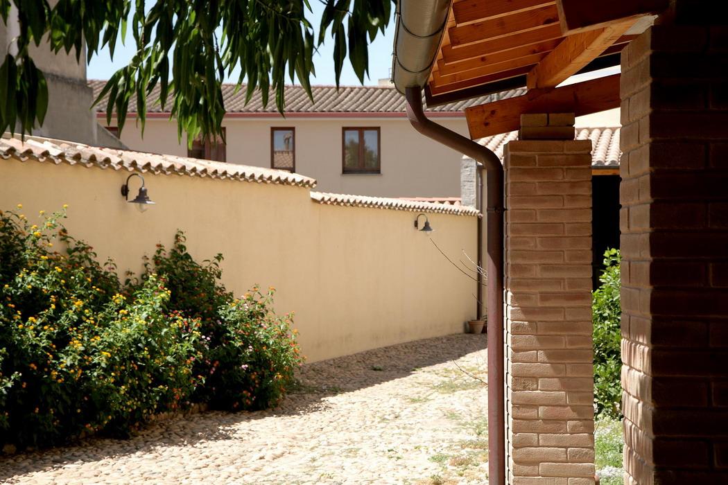 Casa di abitazione in terra cruda a serramanna - Pitturare esterno casa ...